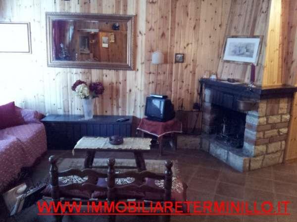 SOLO AFFITTO Terminillo LA TORRE Appartamento Bi-Locale In Centro Con Camino Balcone